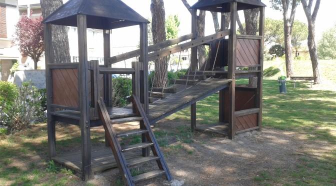 INCHIESTA PARCHI PUBBLICI 7 Gioco per l'infanzia installato nel Parco Pubblico in via Melegnano in carico al Comune